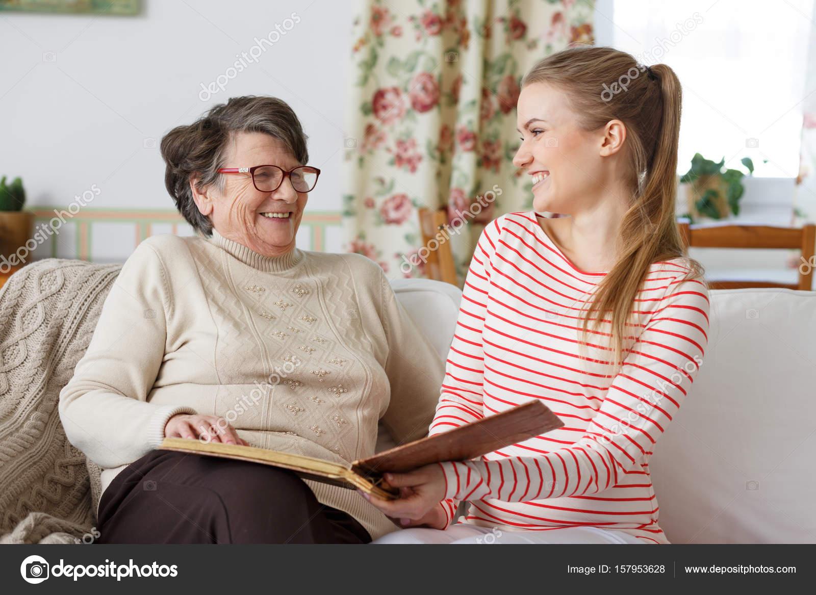 jungspund fickt mit seiner oma