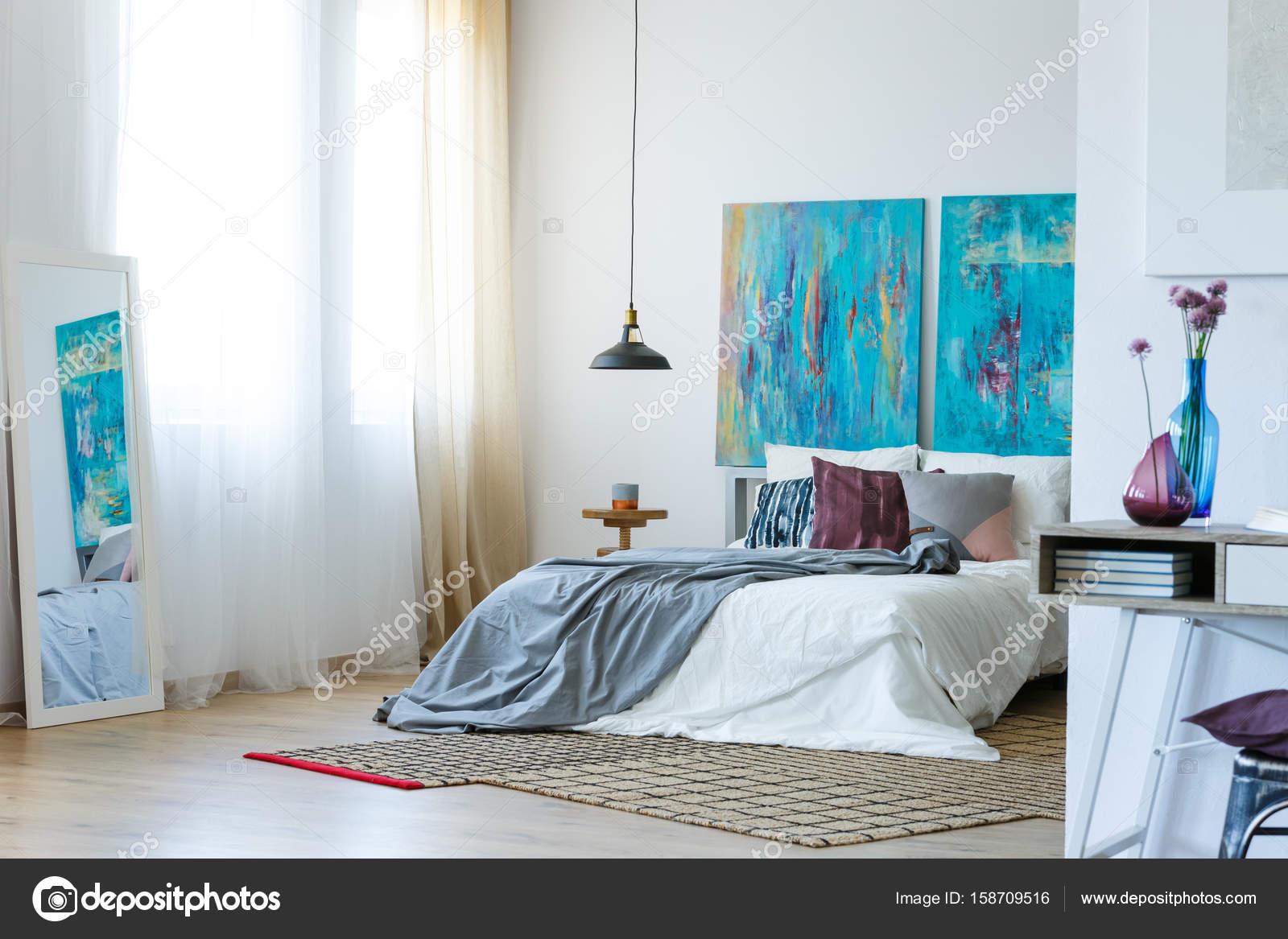 Blauw en paars slaapkamer u stockfoto photographee eu