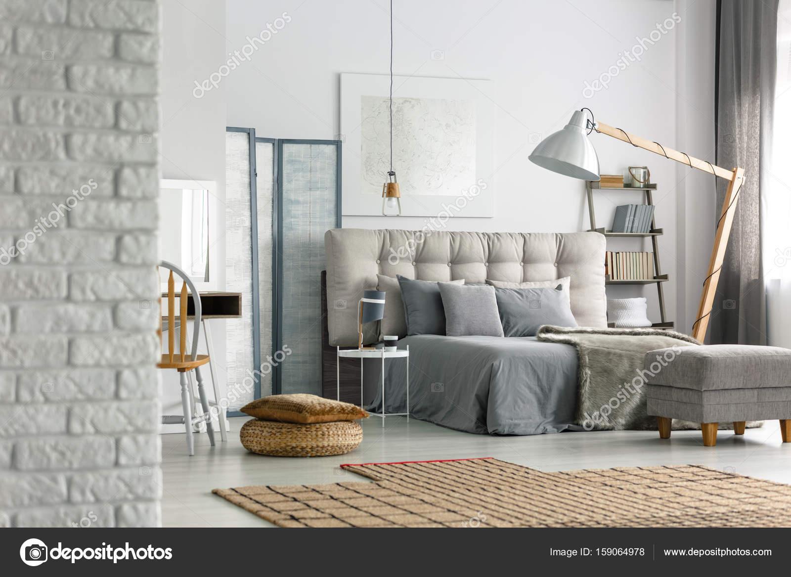 Camera da letto in soppalco — Foto Stock © photographee.eu #159064978