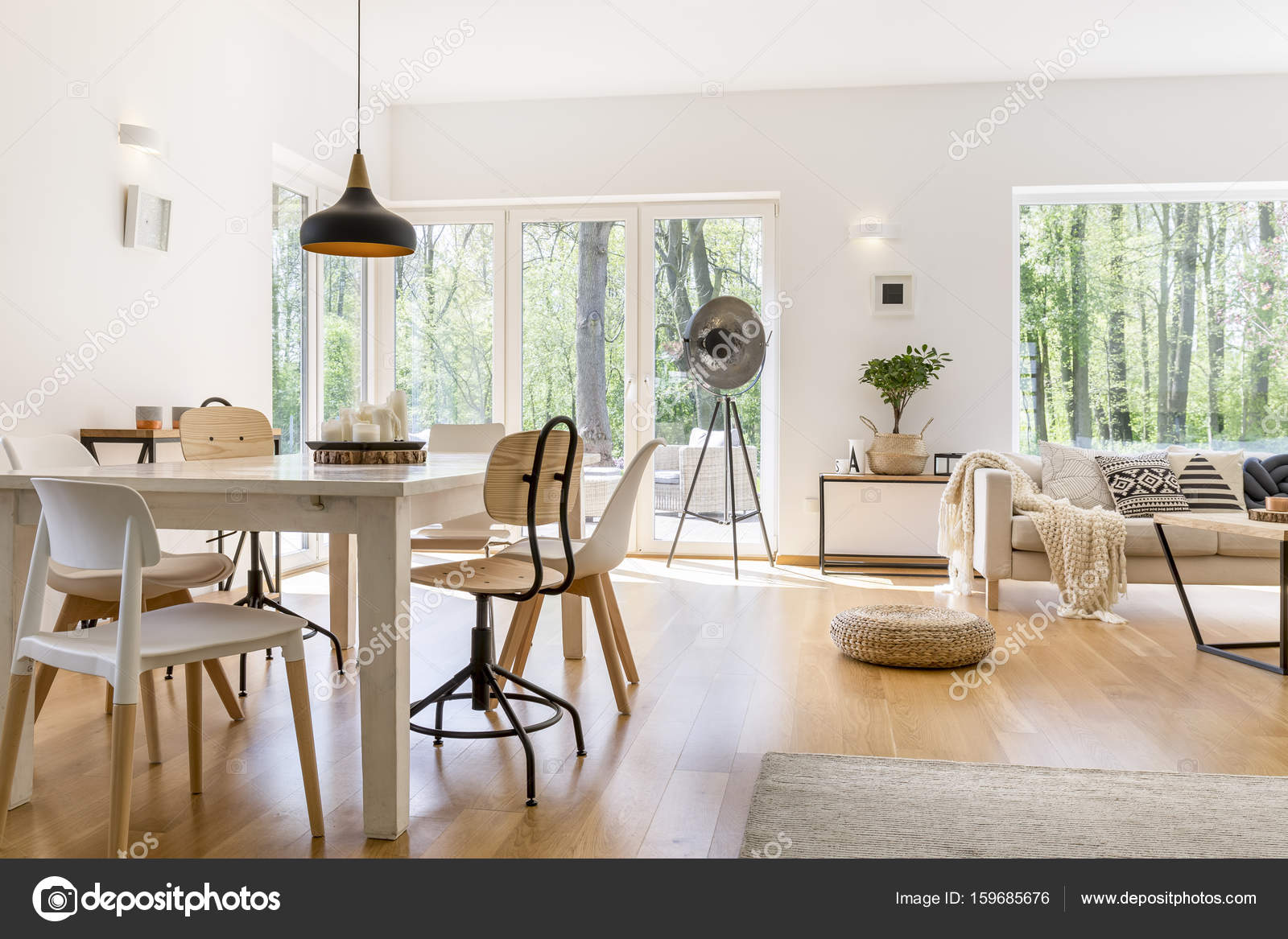 Diner ruimte in lounge u2014 stockfoto © photographee.eu #159685676