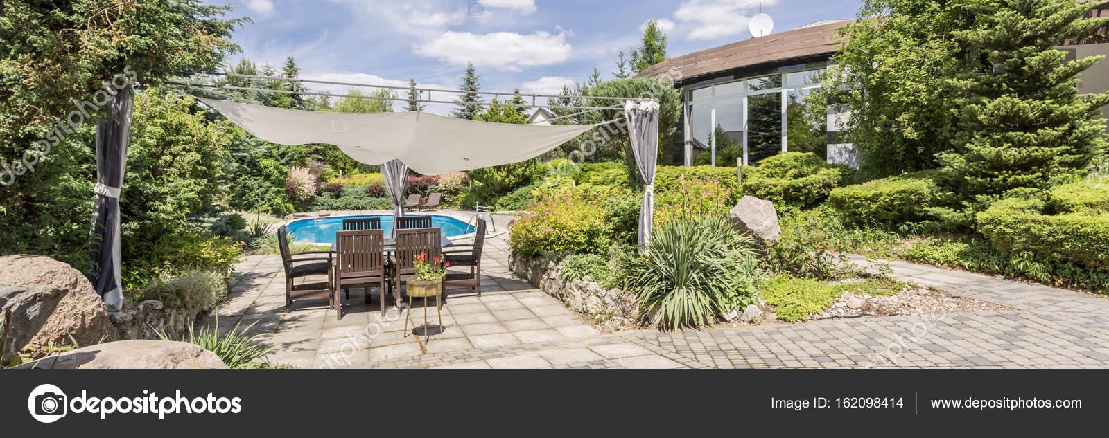 Verzauberkunst Garten Terrasse Das Beste Von Überdachung Im — Stockfoto