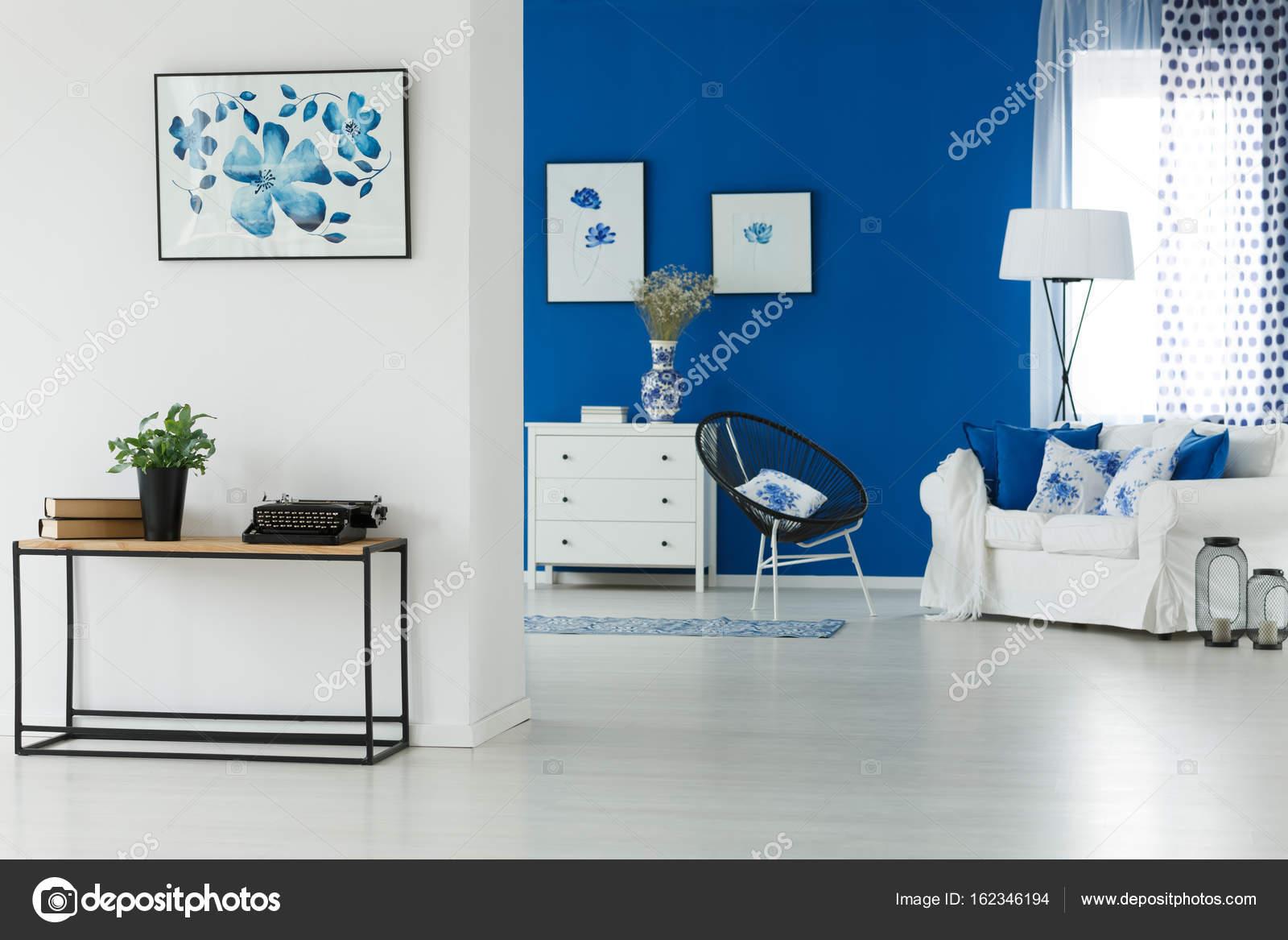 soggiorno blu — Foto Stock © photographee.eu #162346194