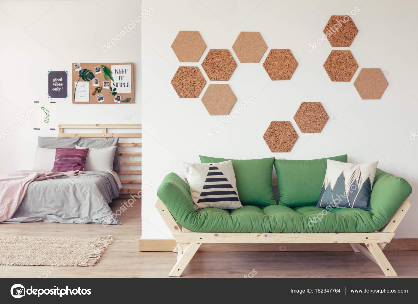 Decoracion de corchos de pared great decorar la pared con - Muebles de corcho ...