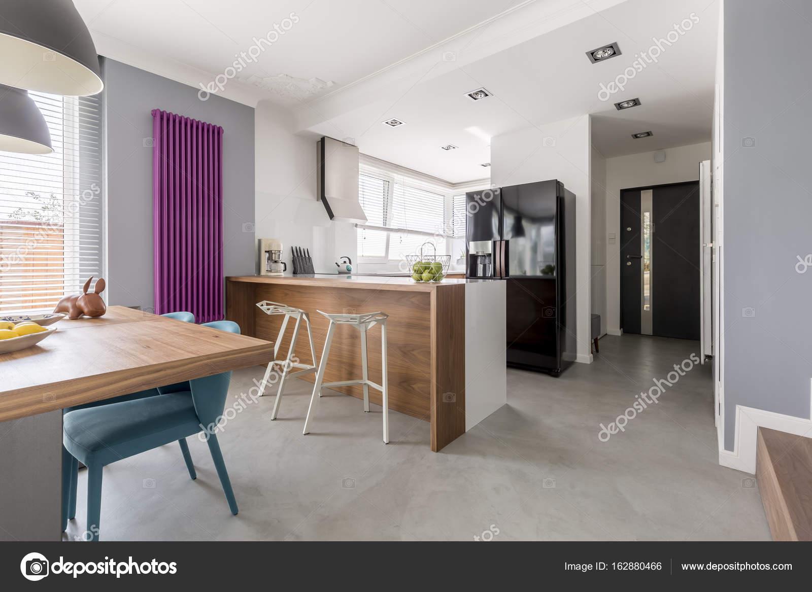 Sala comedor cocina y entrada Foto de stock photographeeeu
