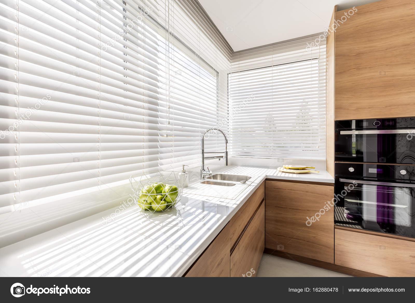 Cozinha Com Cortinas De Janela Branco Stock Photo Photographee
