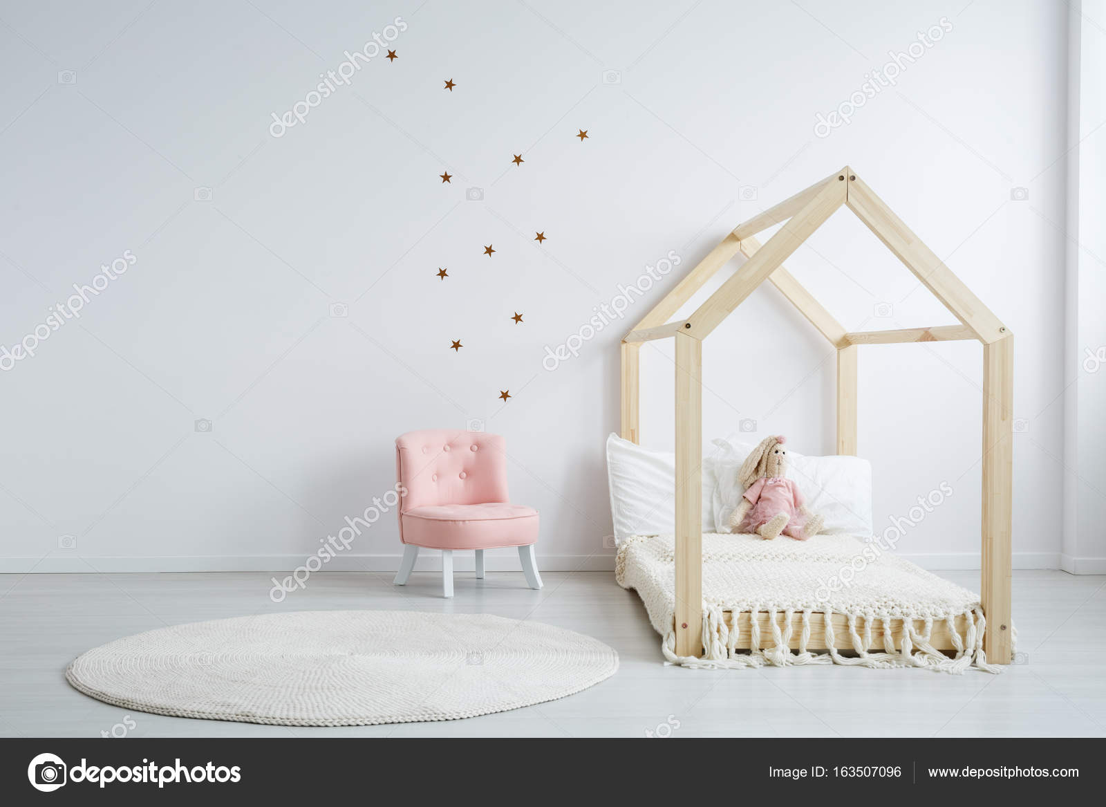 Moderne kindermöbel im schlafzimmer u2014 stockfoto © photographee.eu