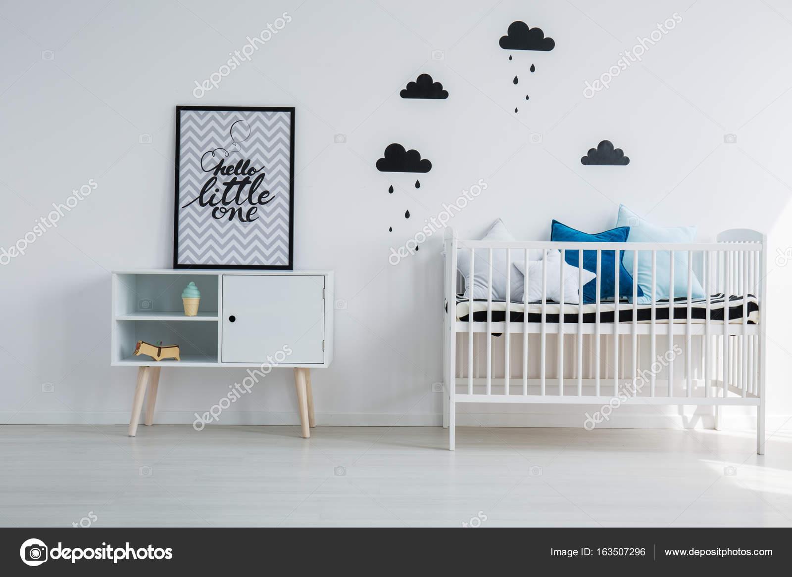 Baby Slaapkamer Teksten : De slaapkamer van kind met minimalistisch design u stockfoto