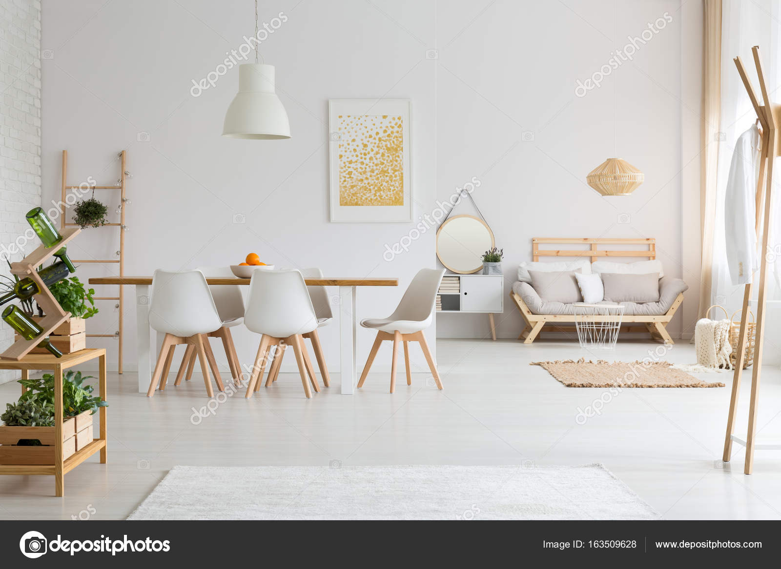 Eetkamer In Woonkamer : Eetkamer en woonkamer in loft u stockfoto photographee eu