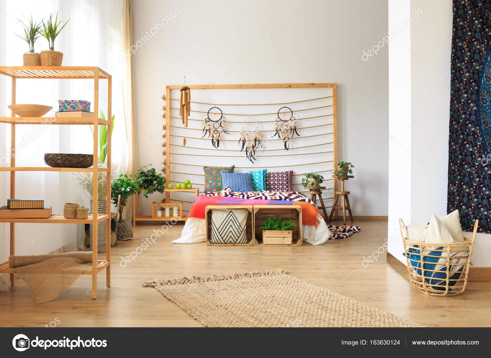 Camera Da Letto Etniche Foto : Camera da letto in appartamento dal design etnico u foto stock