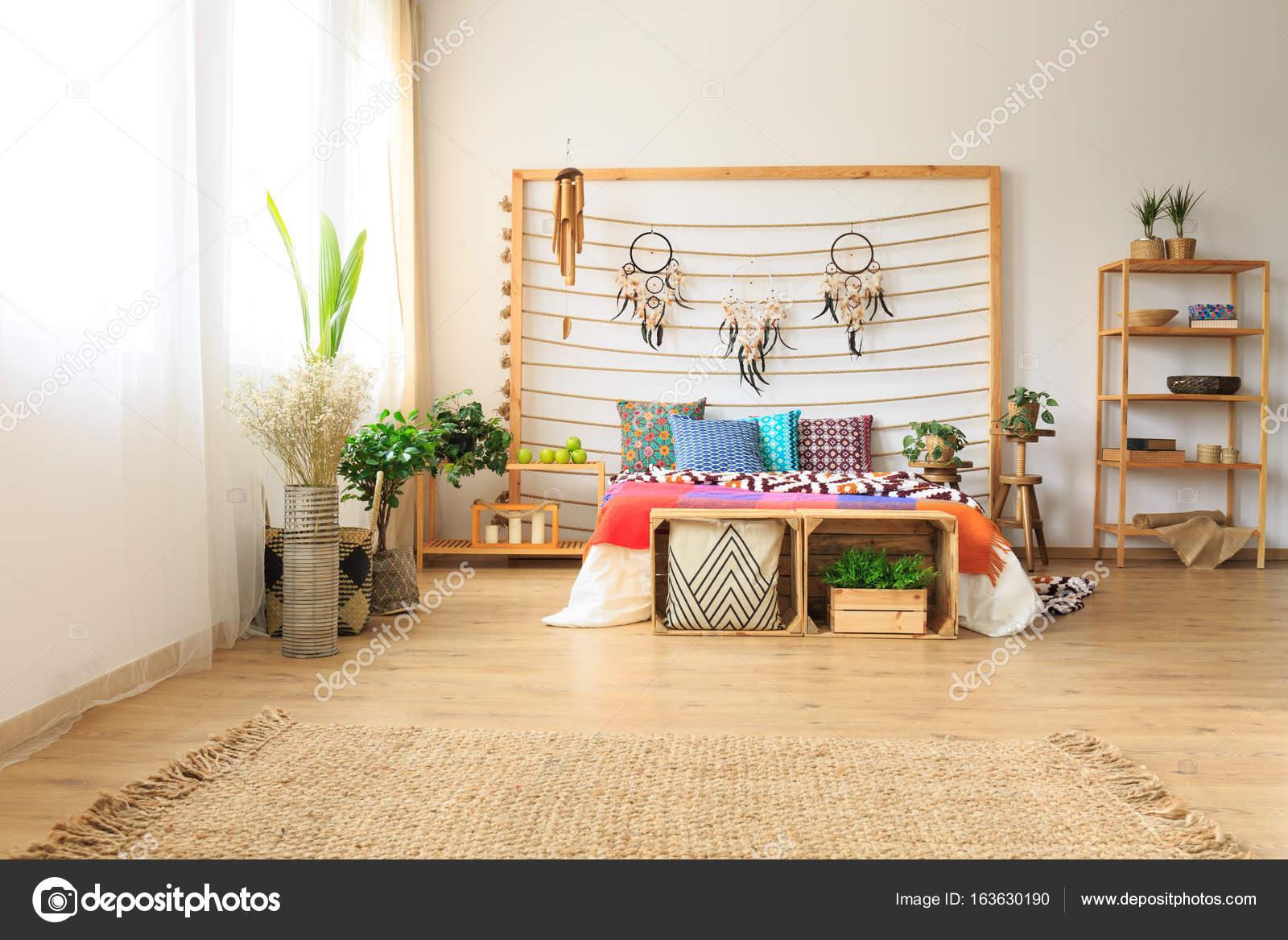 Großartig Schlafzimmer Teppich Sammlung Von Ethnische ätherischen Mit Bunten Bett Und Einem