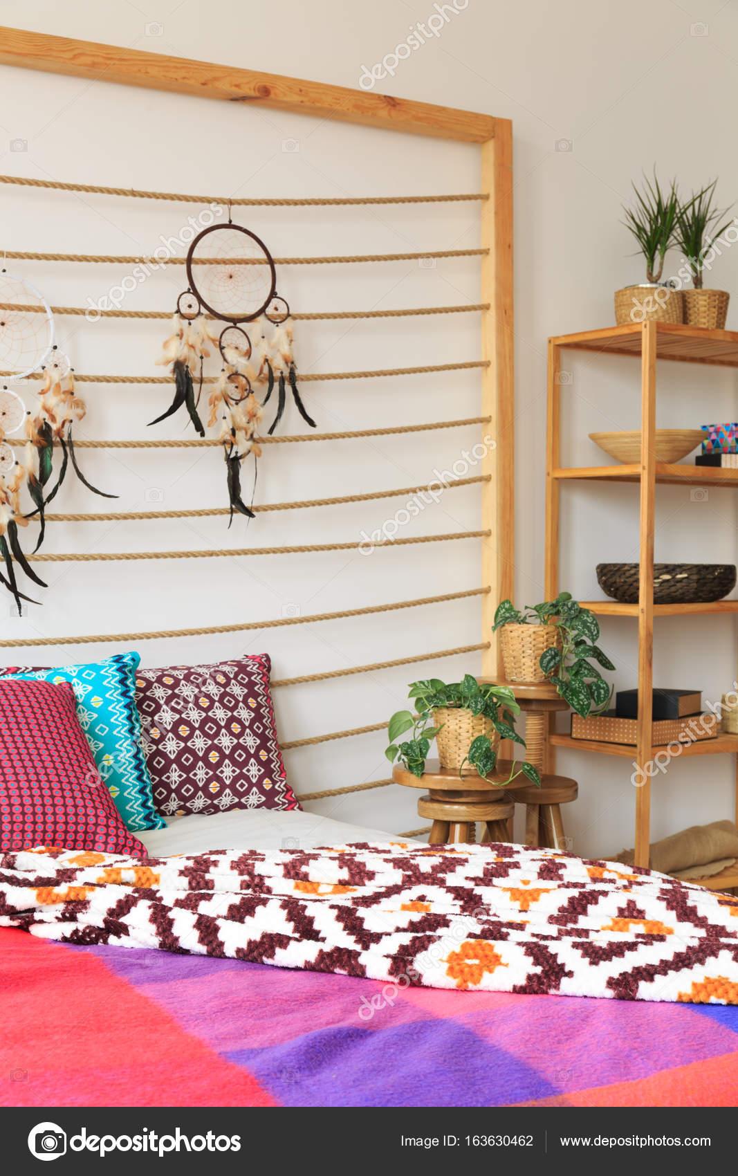 Decoracin del dormitorio en estilo tnico Fotos de Stock