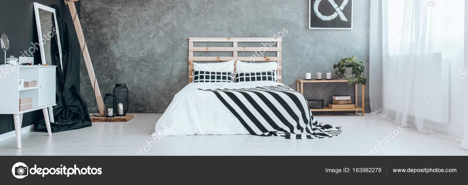 Panorama, chambre avec mur gris — Photographie photographee.eu ...