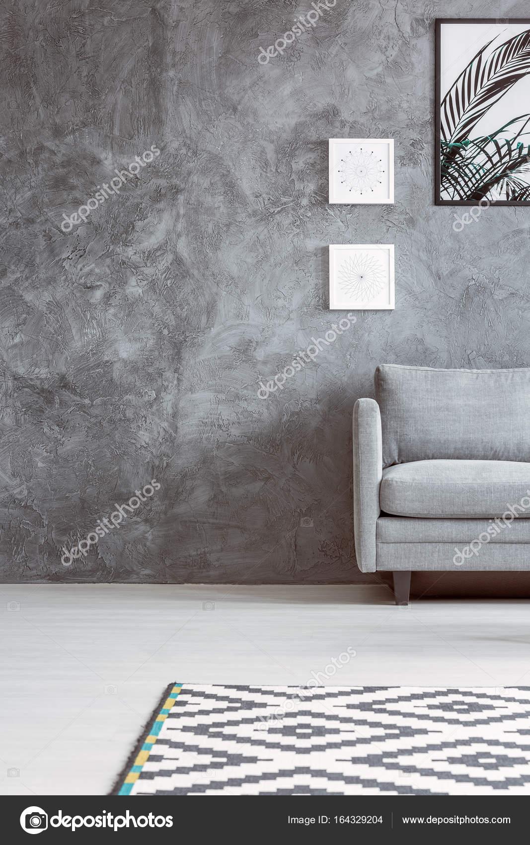 3968e3258705a6 Sala monocromática com tapete — Fotografias de Stock © photographee ...