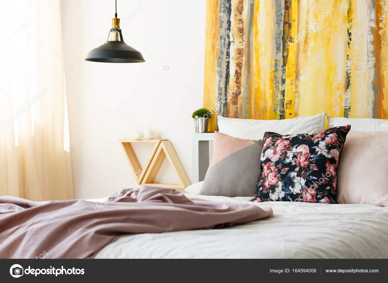 Earthy color palette | Bedroom with earthy color palette ...