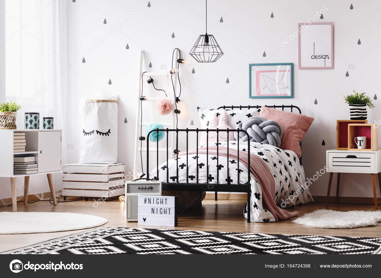 Zwart Witte Kinderkamers : Kinderkamer met witte ladder u stockfoto photographee eu