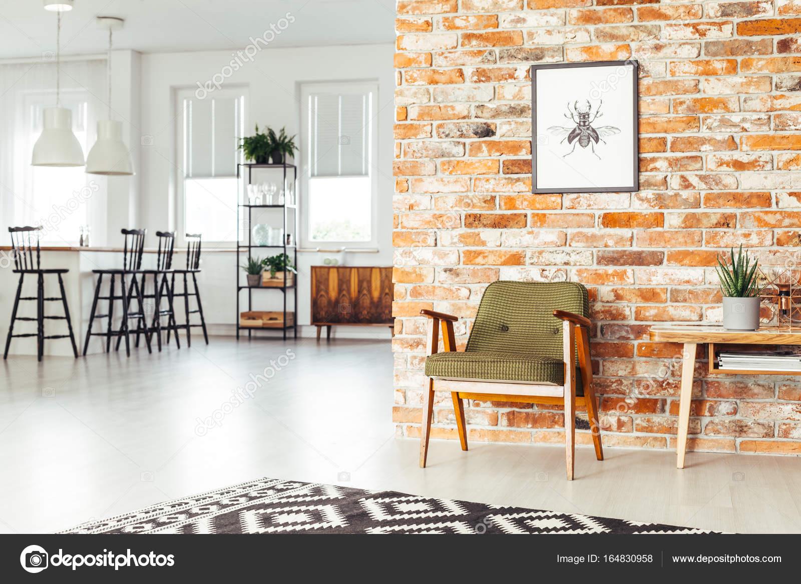 Sala da pranzo con mobili rustici u foto stock photographee eu