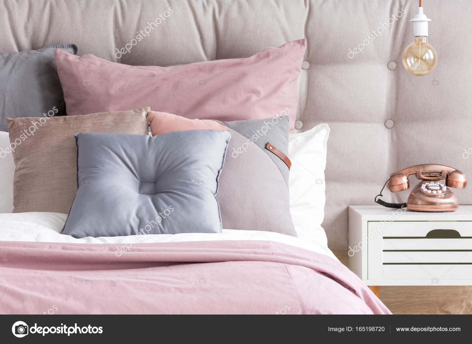 Bett Mit Pastell Farbe Kissen U2014 Stockfoto