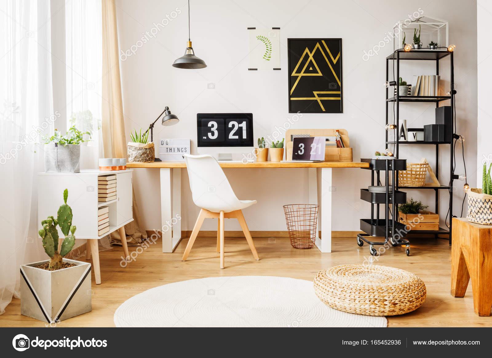 loft interieur mit schlichtem design bilder, skandinavischen raum in moderne loft — stockfoto © photographee.eu, Design ideen