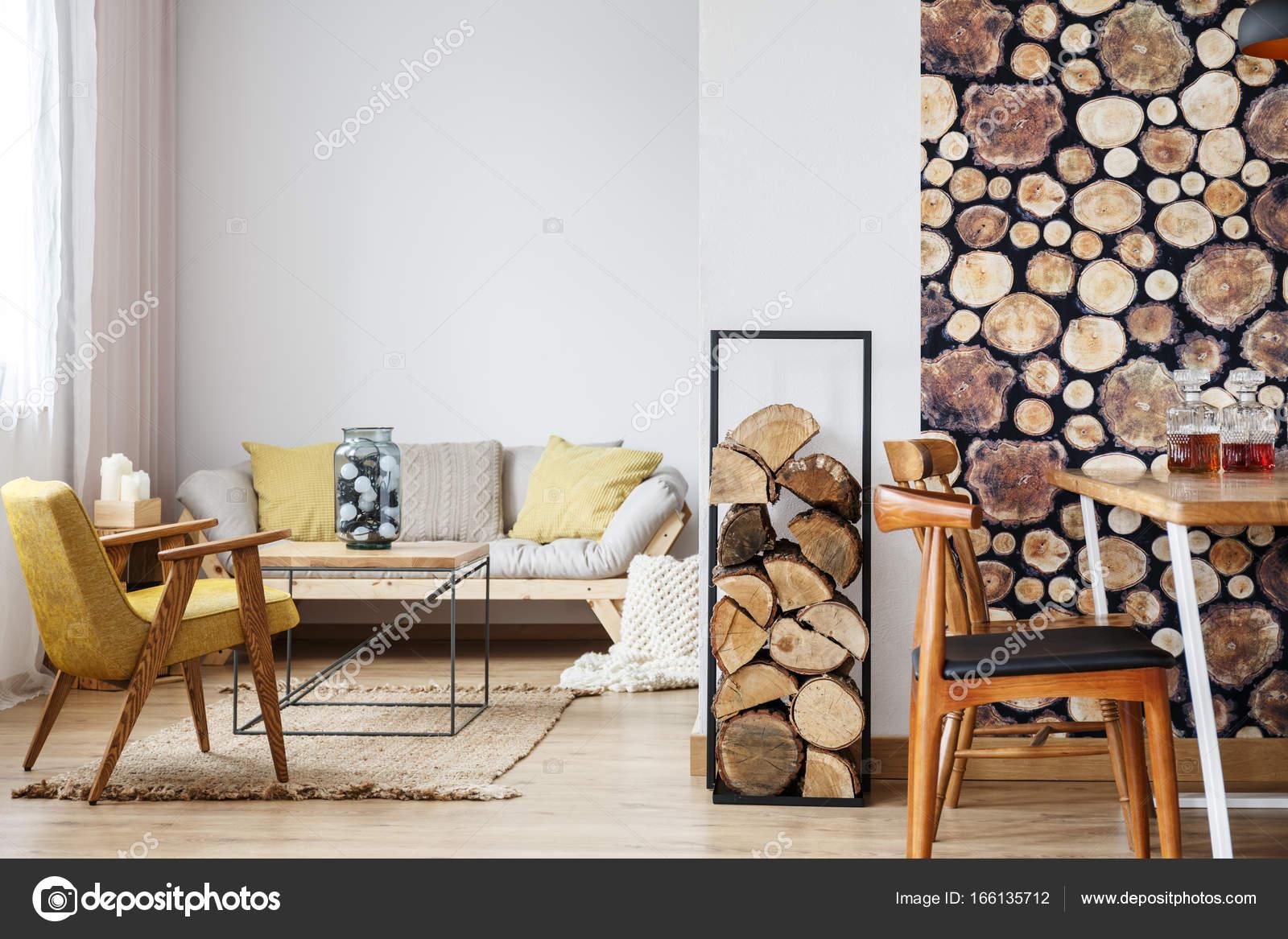 Sofa brandhout en eethoek u stockfoto photographee eu