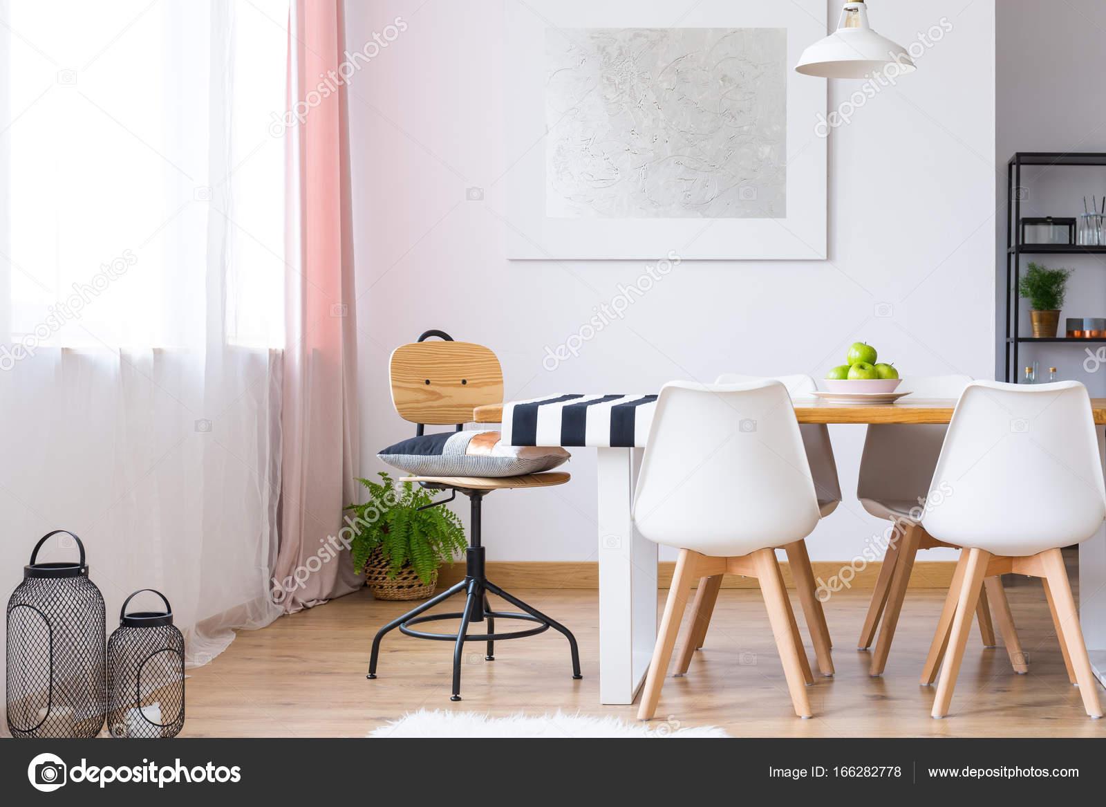Eitelkeit Stühle Für Esstisch Referenz Von Terte Kissen Auf Klassischer Stuhl Am Mit