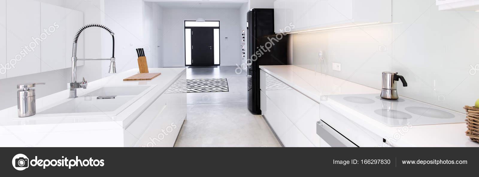 weisse hochglanz k che unterschrank 45 cm k che ikea werbung 2016 schauspieler l ohne ger te. Black Bedroom Furniture Sets. Home Design Ideas
