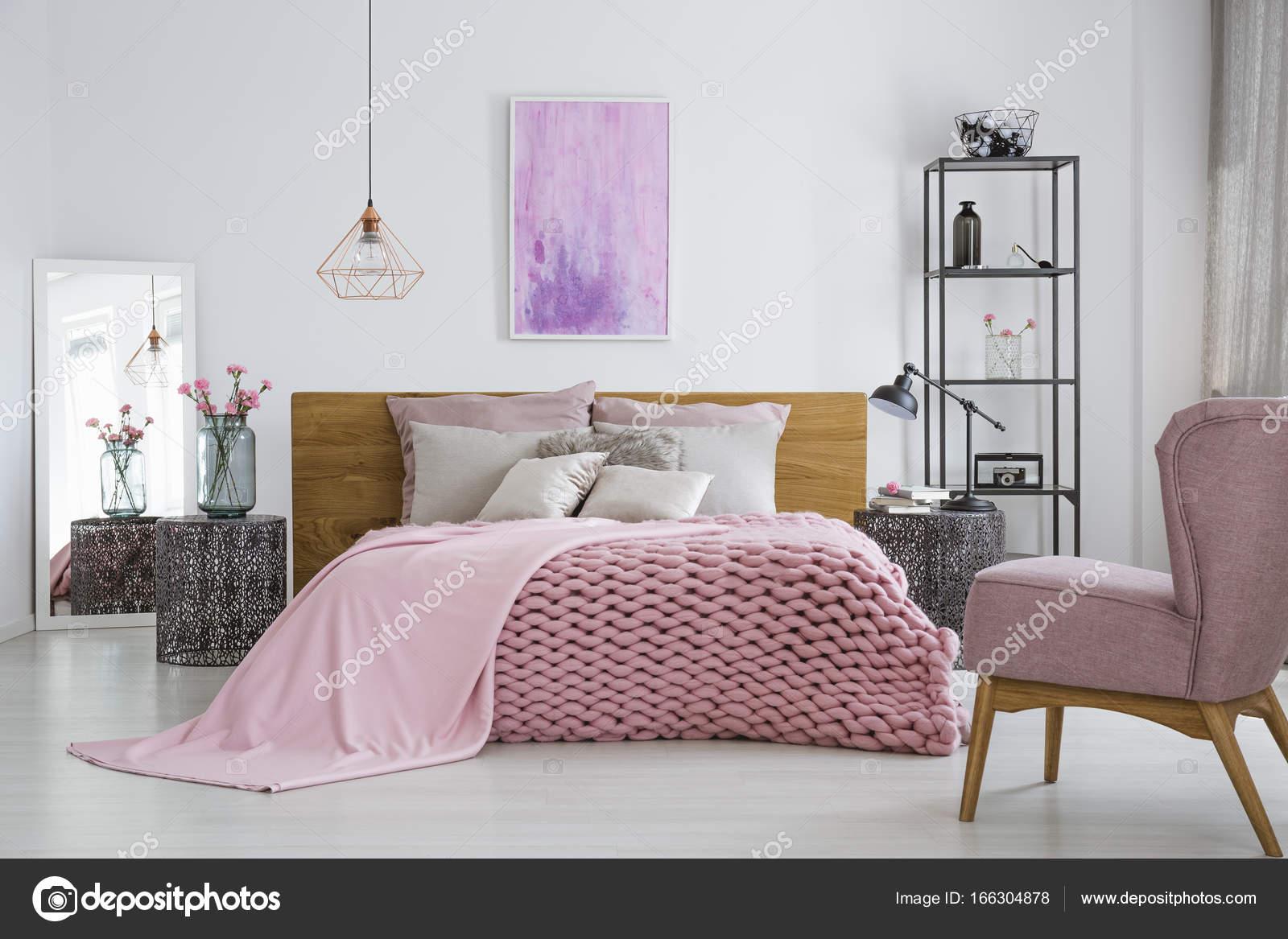 Camera Da Letto Al Femminile : Colori pareti della camera da letto foto nanopress donna