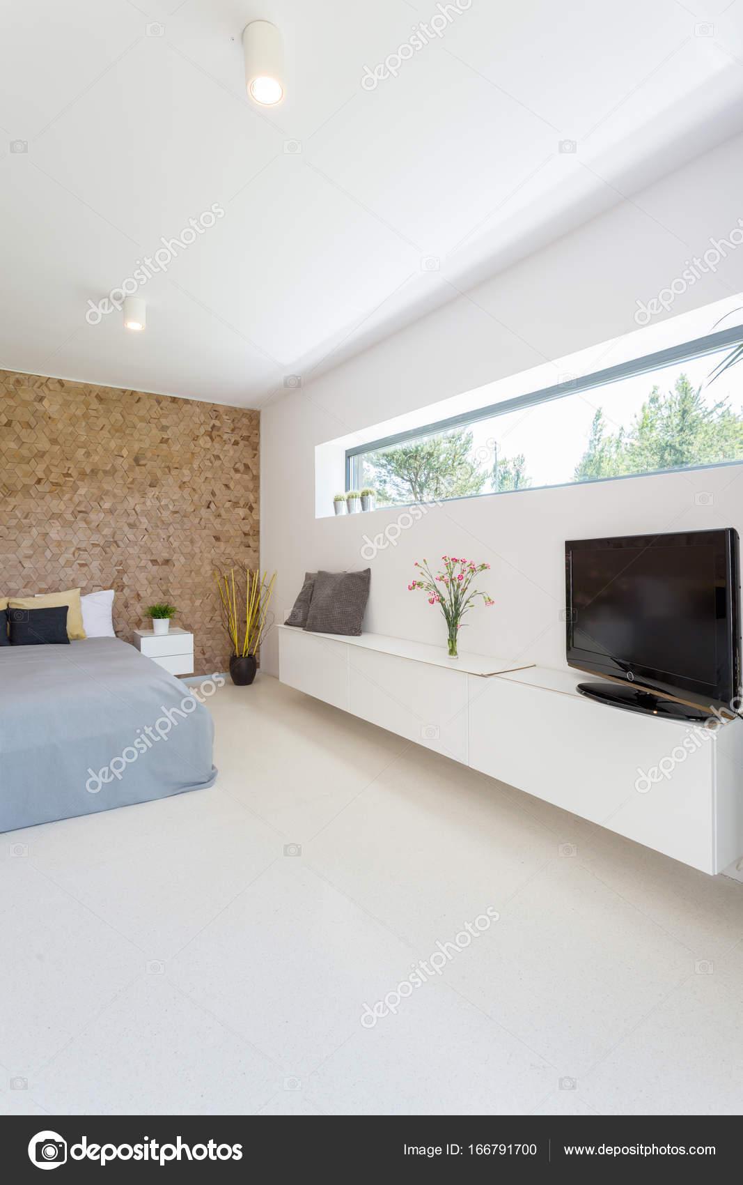 Luminosa camera da letto padronale — Foto Stock © photographee.eu ...
