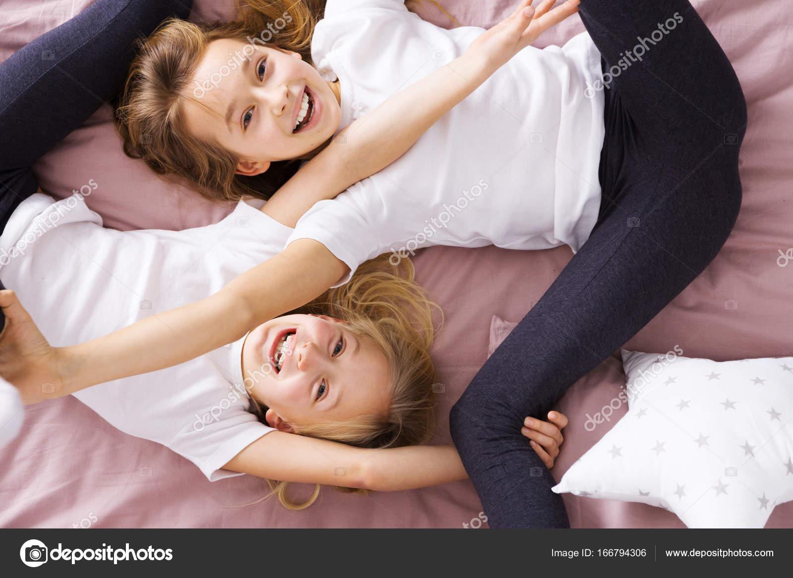 Секс брат и сестра со связыванием, Брат и сестра трахаются (занимаются сексом) Смотреть 19 фотография