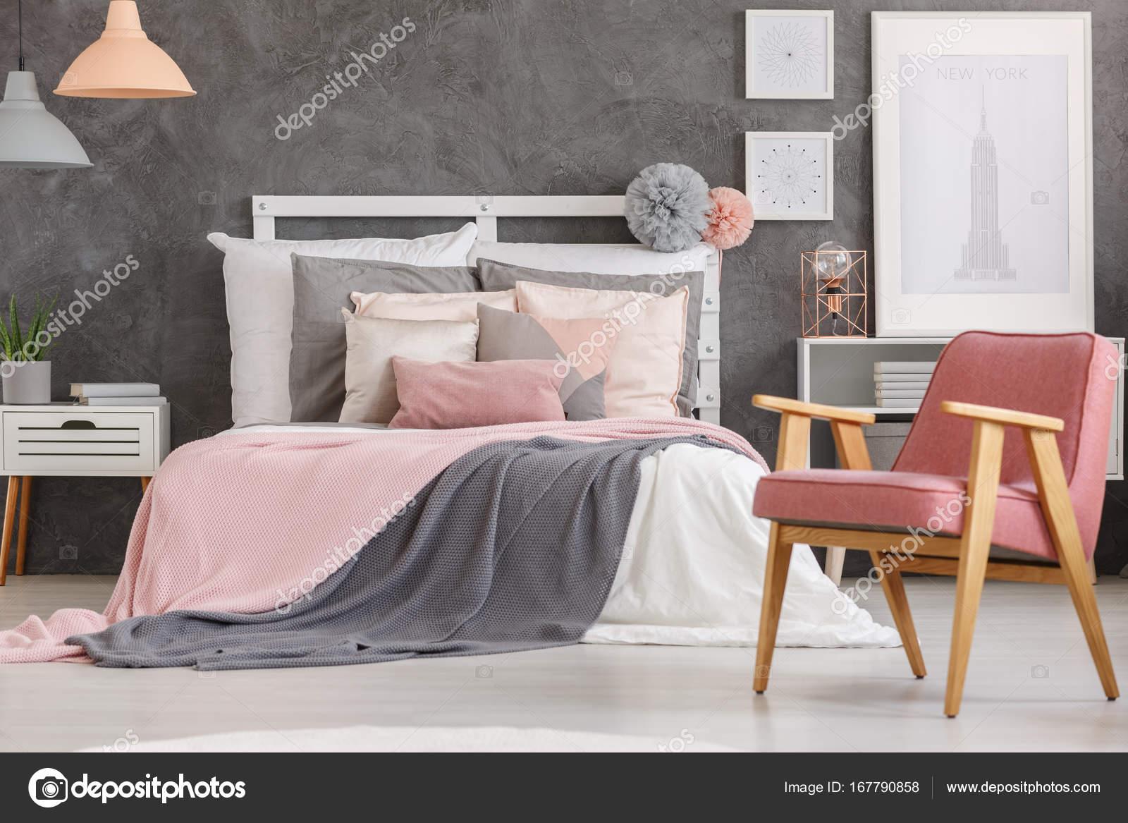 Camere Da Letto Rosa Antico : Camera da letto bella ragazze u foto stock photographee eu