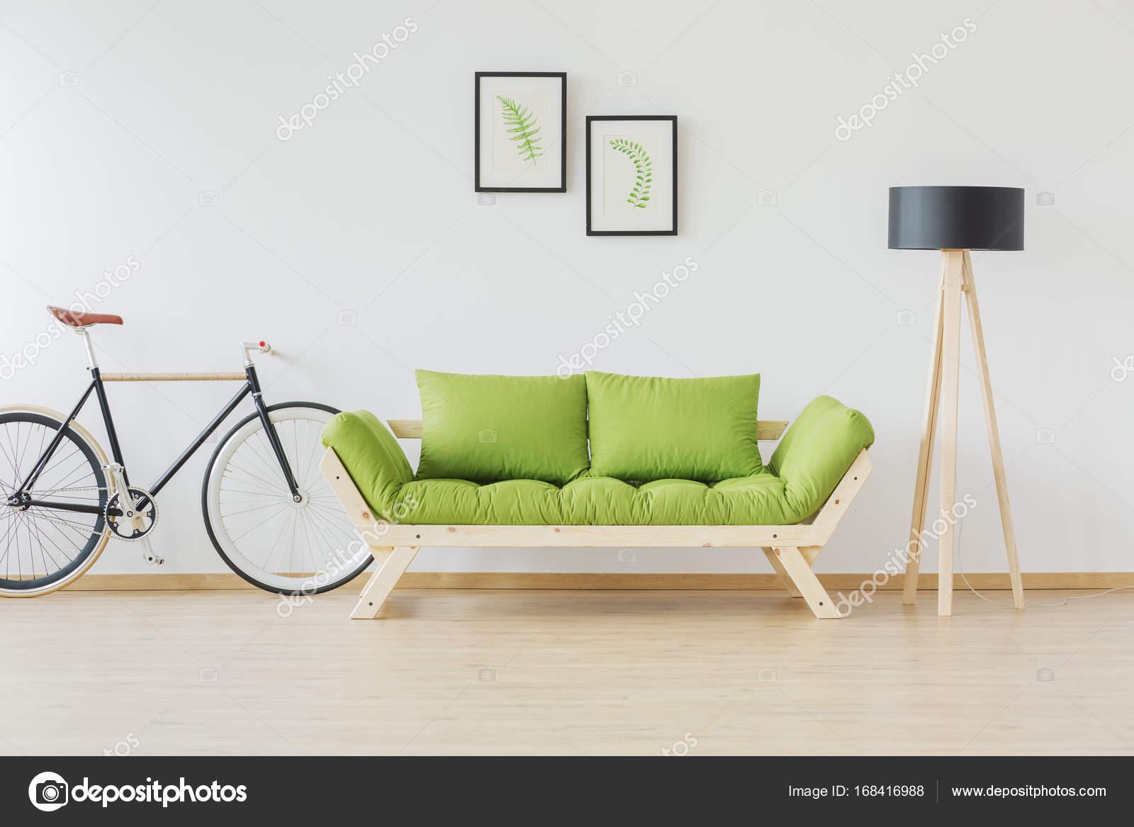 Mobel Accessoires Minimalist : Hipster fahrrad und minimalistische möbel u stockfoto