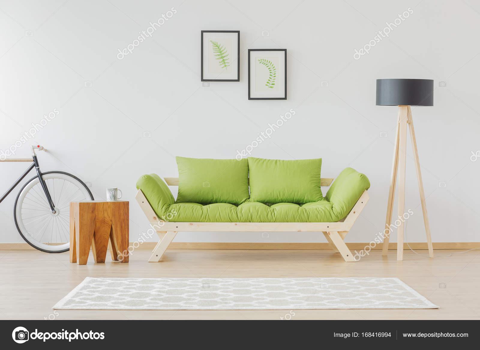 Sala minimalista y natural estudiante — Fotos de Stock ...
