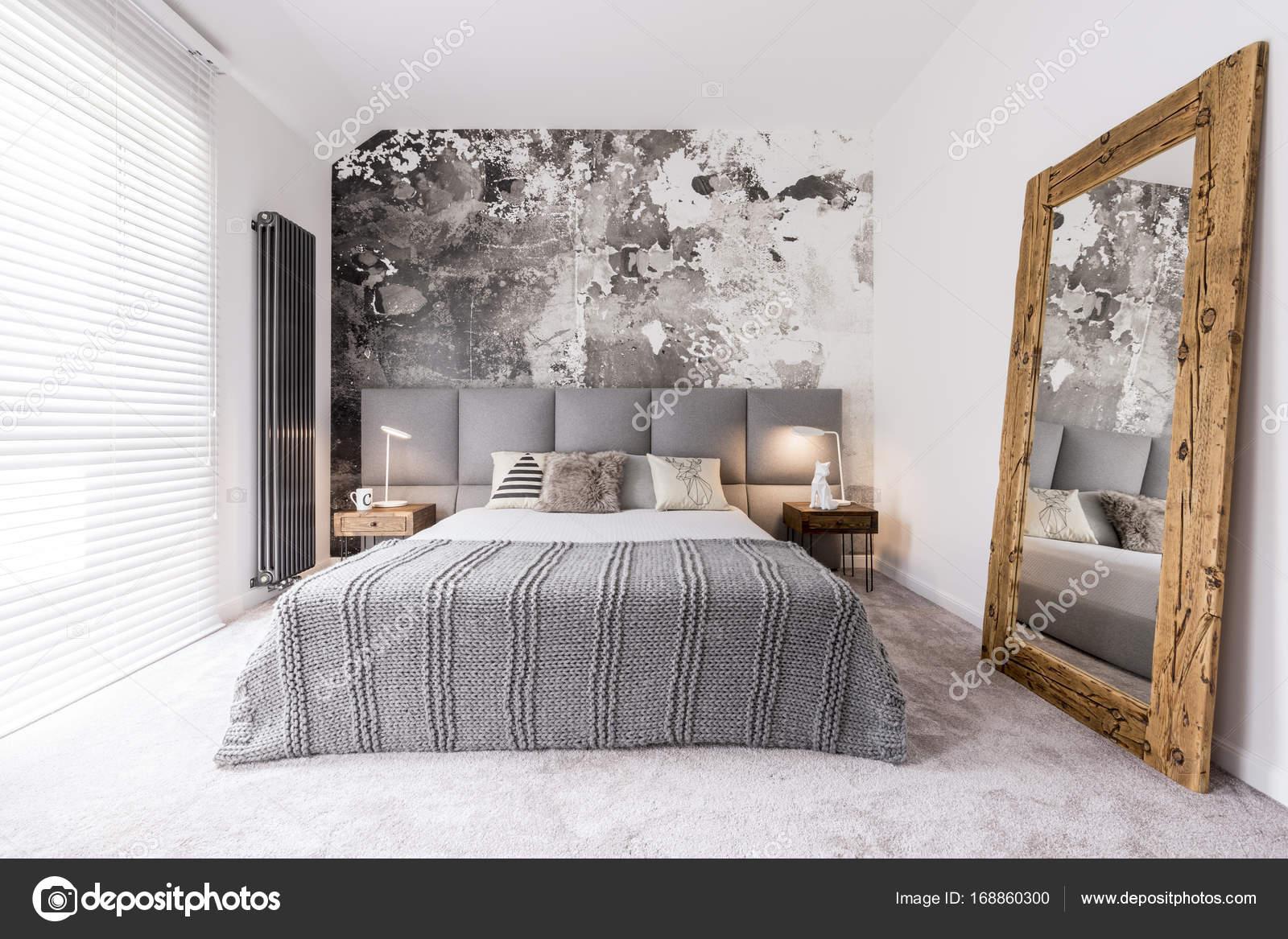 Camera da letto elegante, monocromatico — Foto Stock ...