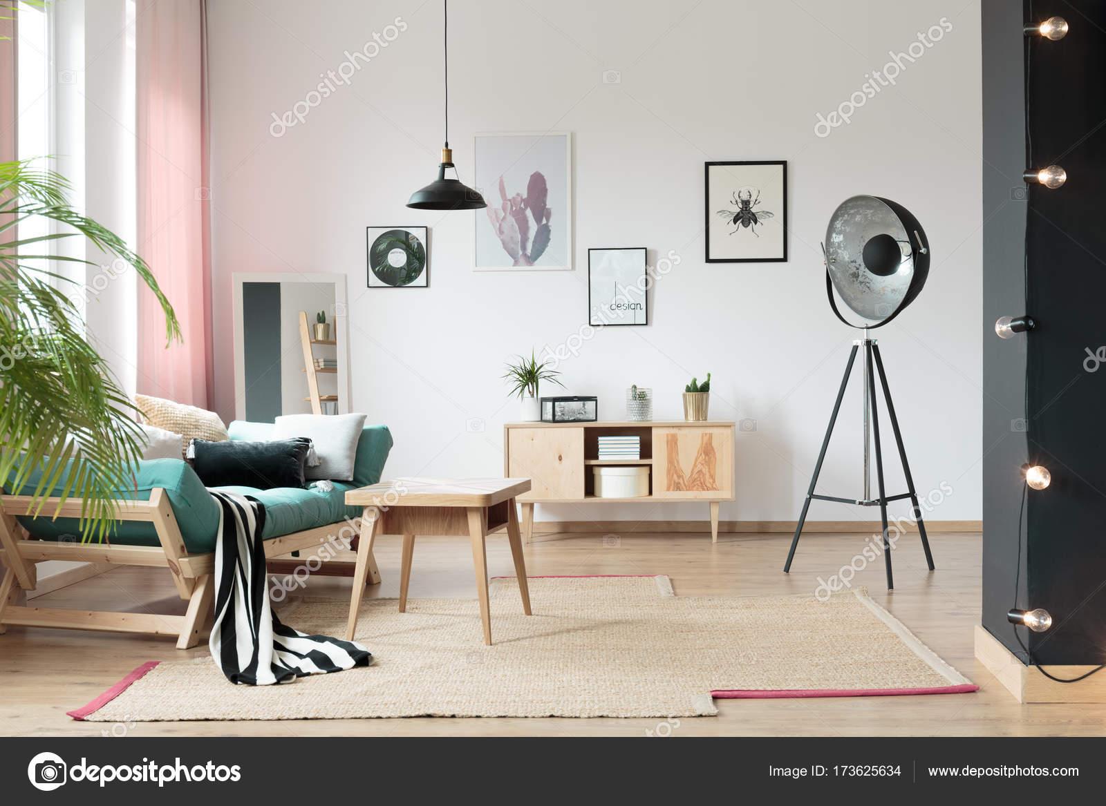 Kleurrijke Interieurs Pastel : Pastel woonkamer interieur u2014 stockfoto © photographee.eu #173625634