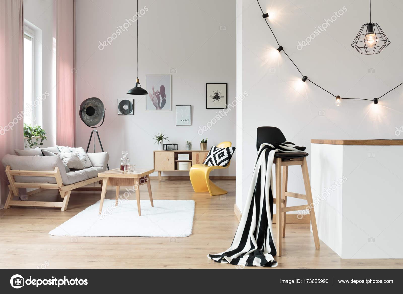 Warm und gemütlich Loft Interieur — Stockfoto © photographee.eu ...