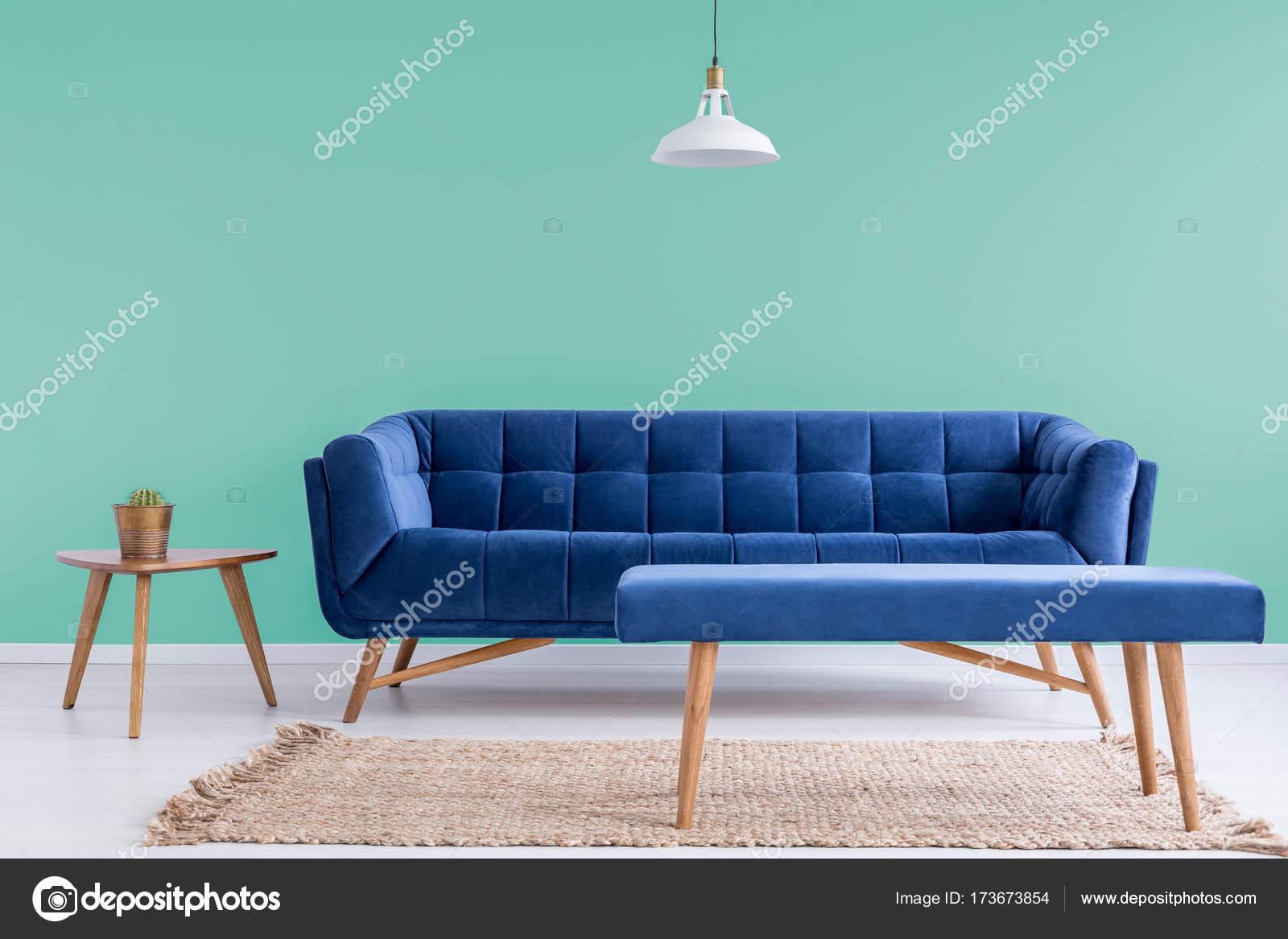 Blaue Couch Im Wartezimmer Stockfoto C Photographee Eu 173673854