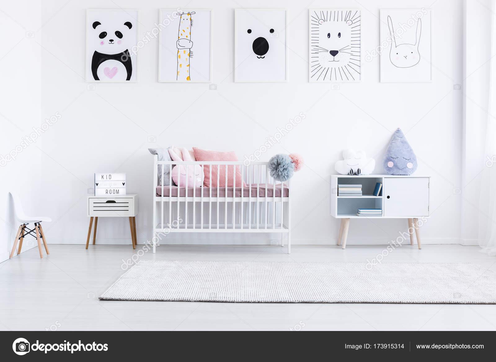 Desenho No Quarto ~ Tigre de desenho no quarto da menina u2014 Stock Photo u00a9 photographee eu #173915314