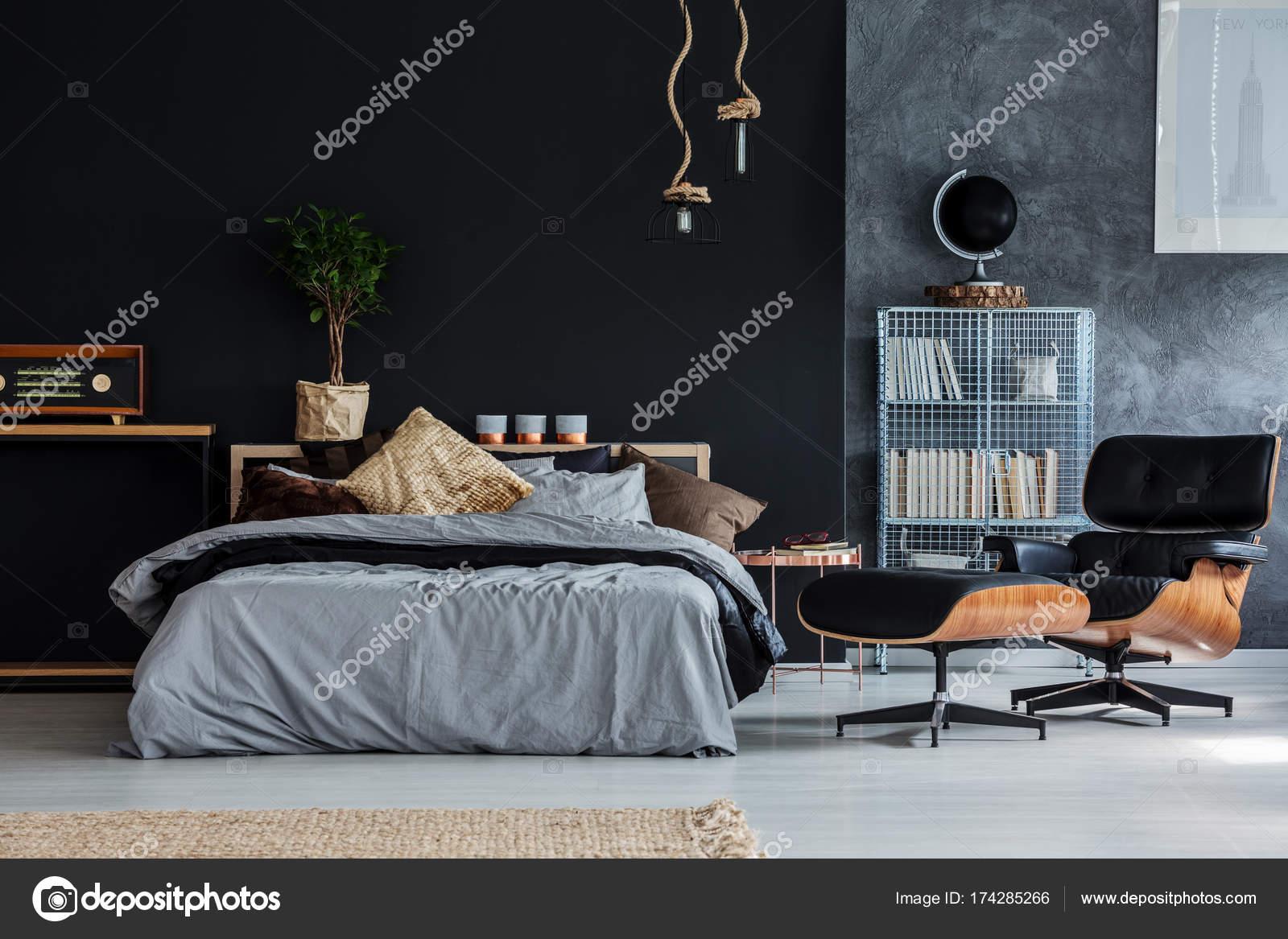 - Guy Bedroom With Chaise Lounge — Stock Photo © Photographee.eu