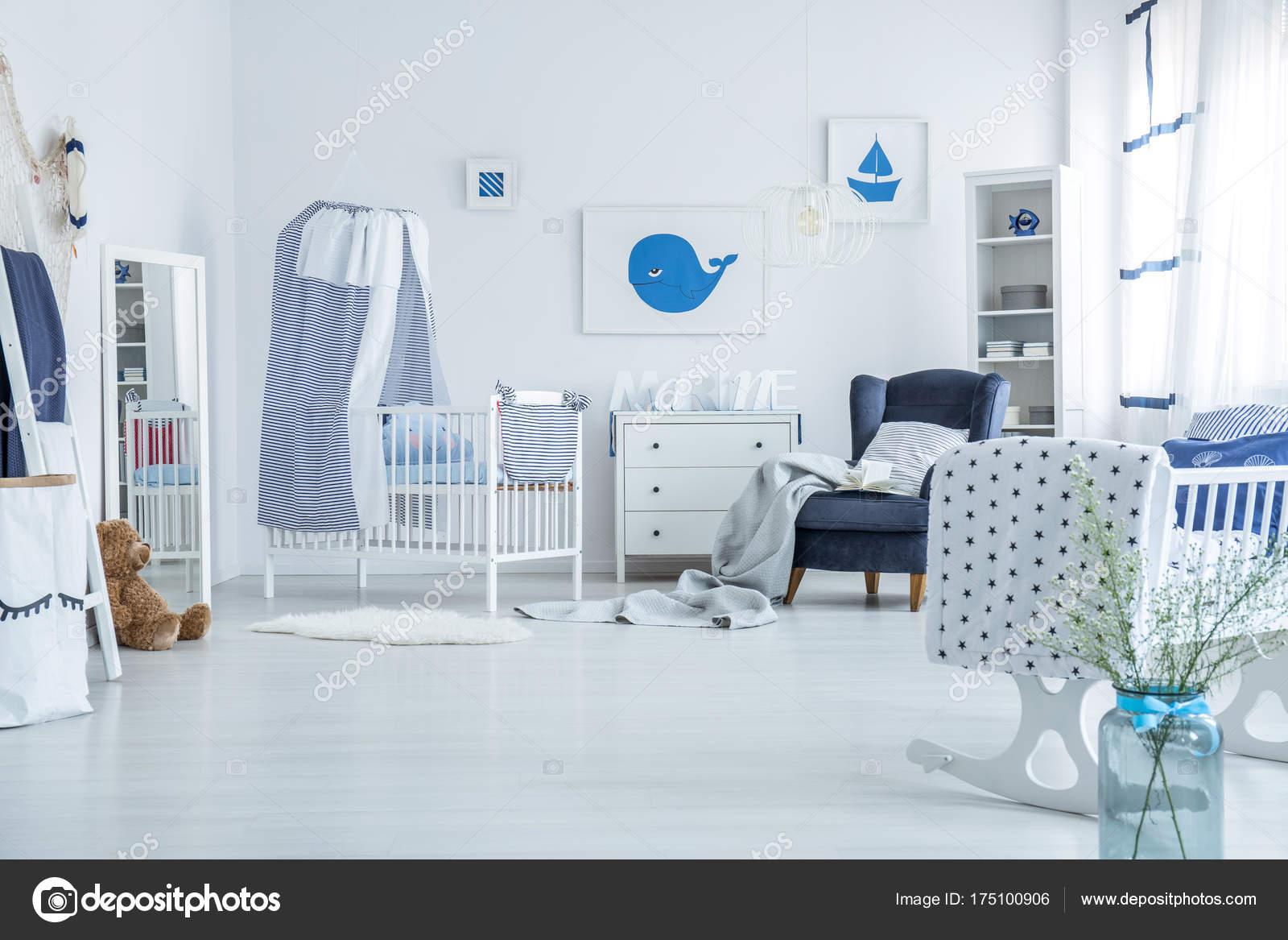 Camera Da Letto Blu Balena : Camera da letto camera da letto blu camera da letto blu e bianca