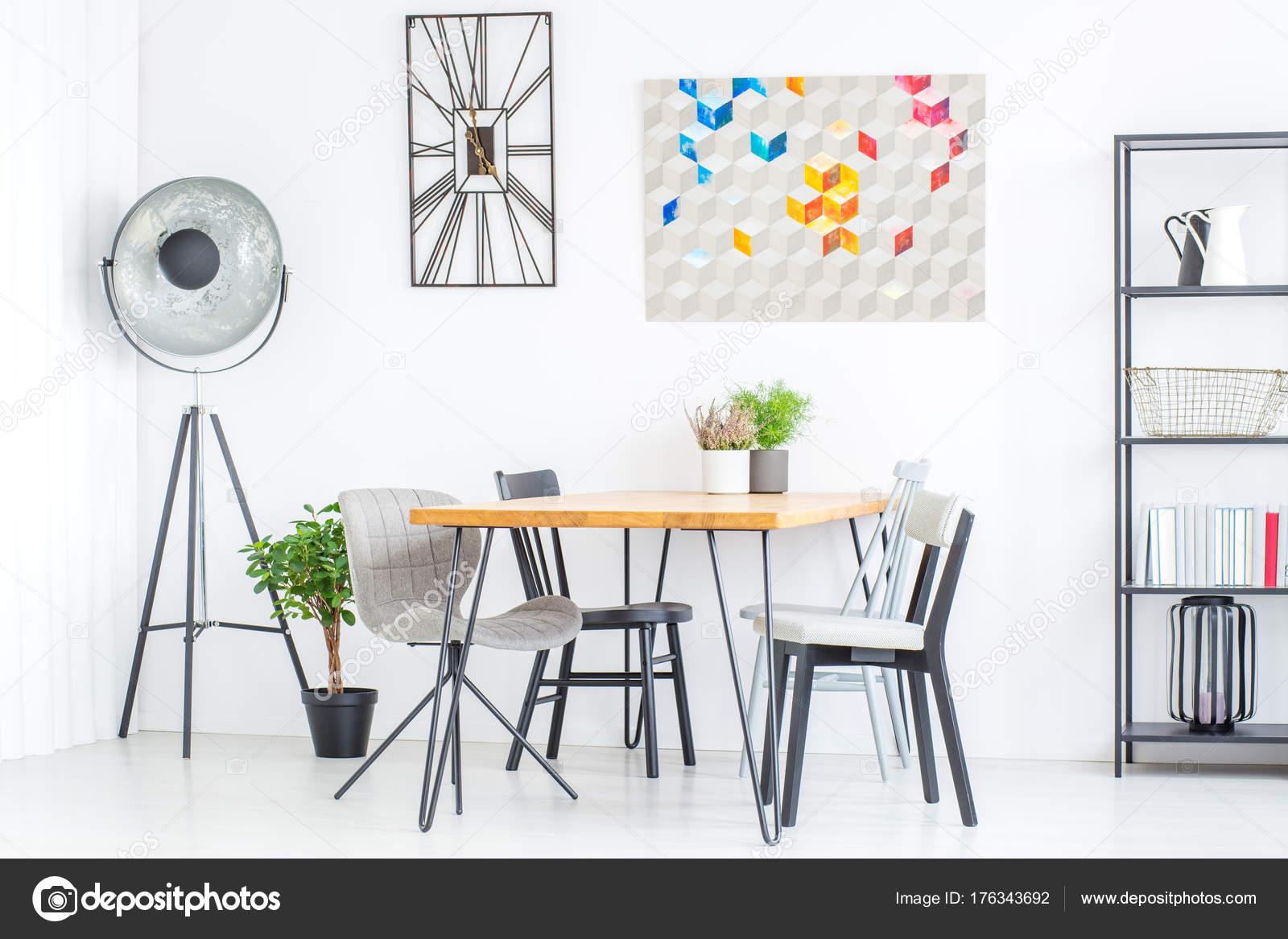 Design lamp in de eetkamer — Stockfoto © photographee.eu #176343692