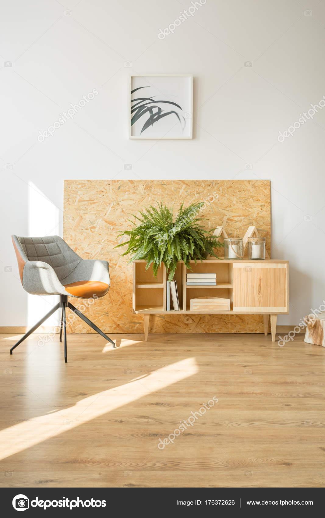 Plakat in einfachen Wohnzimmer — Stockfoto © photographee.eu #176372626