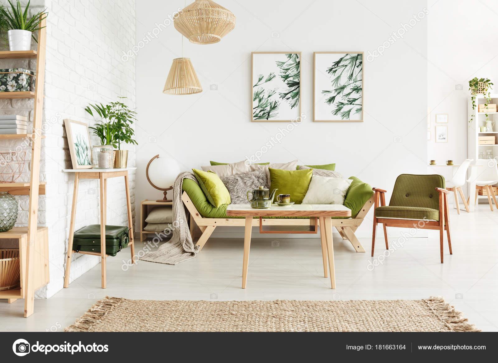 Anspruchsvoll Gemütliches Wohnzimmer Galerie Von Dunkel Grün Vintage Sessel Neben Dem Sofa