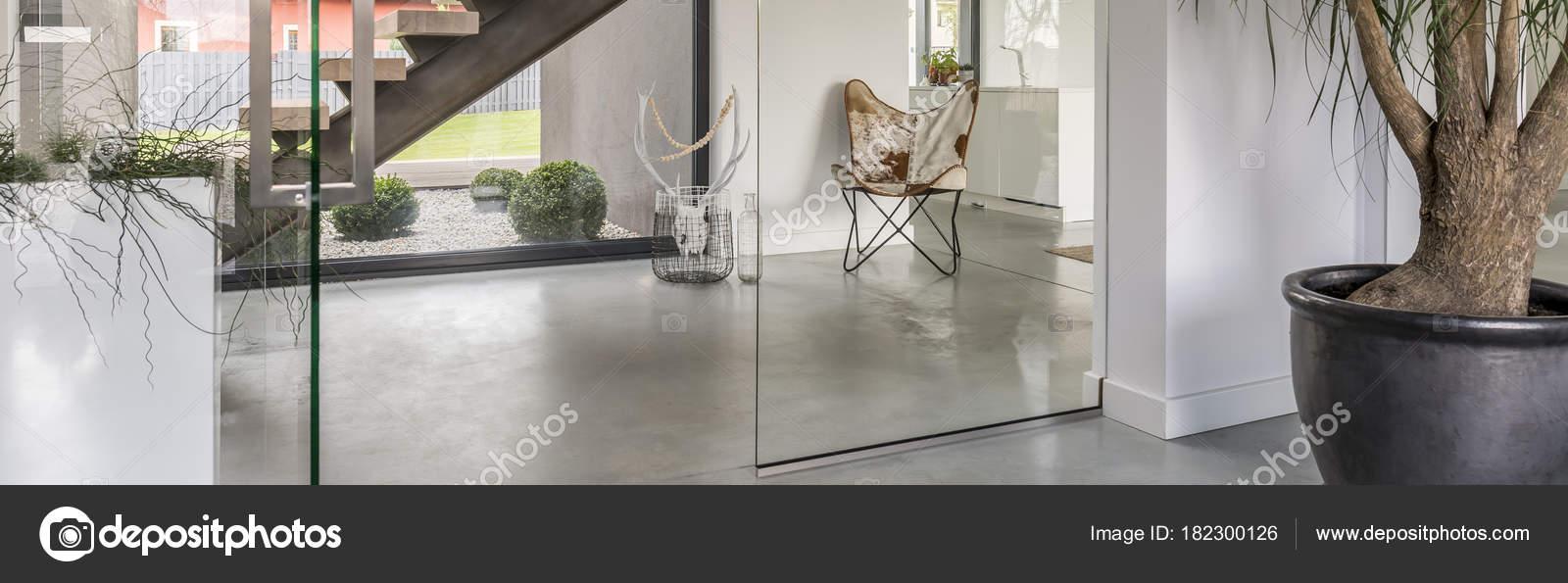 Décor moderne du couloir — Photographie photographee.eu ...