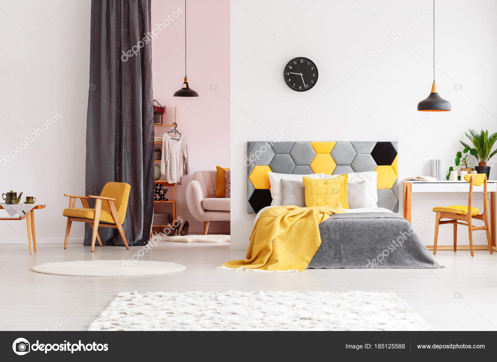 Schlafzimmer mit Ankleidezimmer rosa — Stockfoto ...