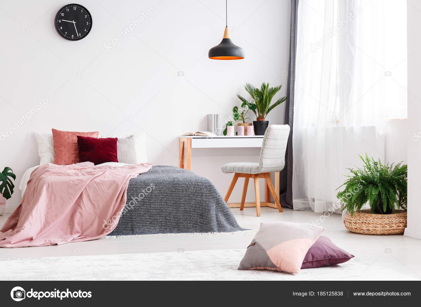 Pastello camera da letto per ragazza — Foto Stock ...