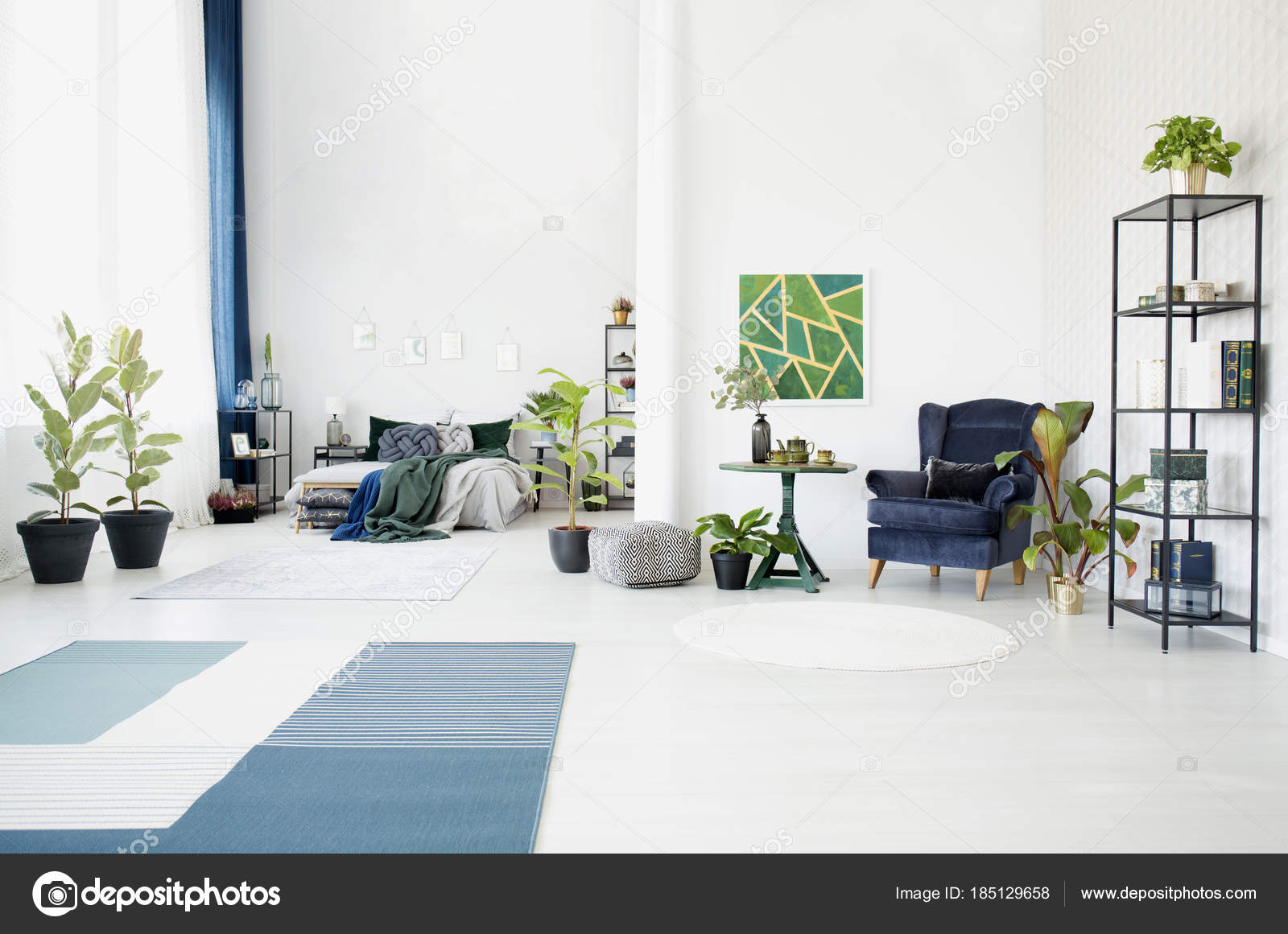 Green painting in open space — Stock Photo © photographee.eu #185129658