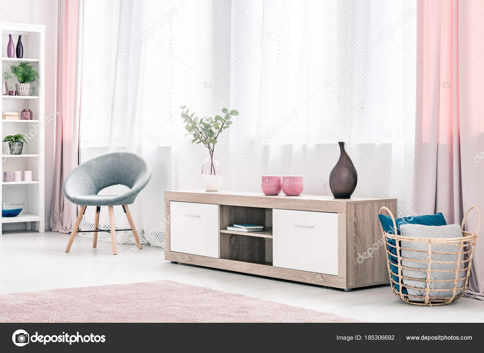Intérieur de salon rose — Photographie photographee.eu ...