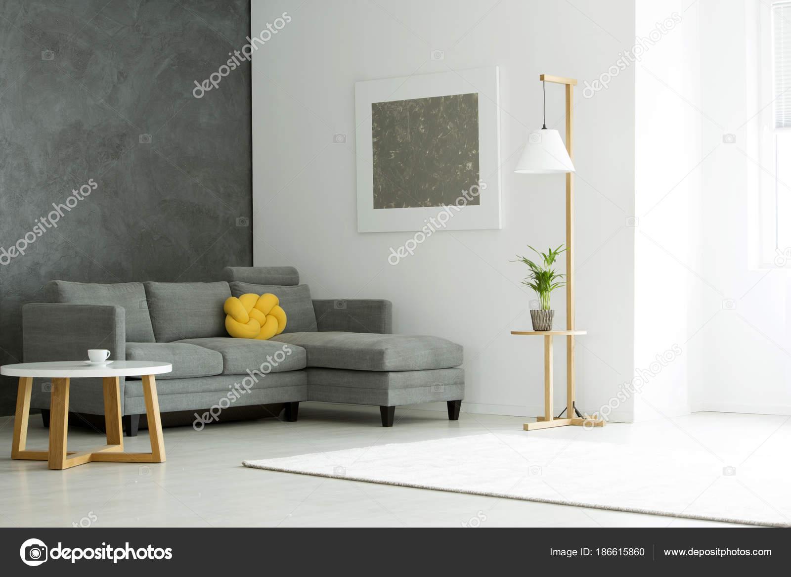 Uberlegen Graue Malerei Im Wohnzimmer U2014 Stockfoto
