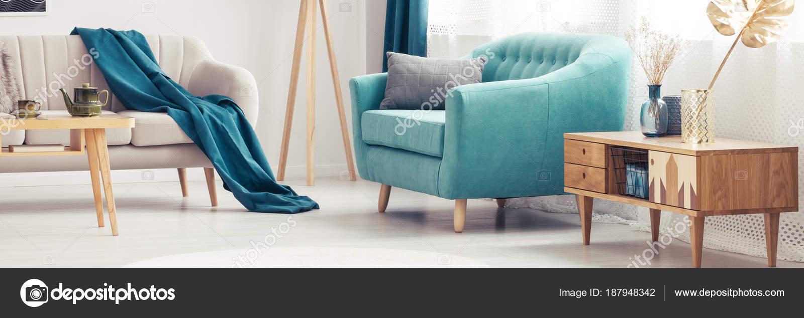 Turchese Poltrona in soggiorno — Foto Stock © photographee.eu #187948342