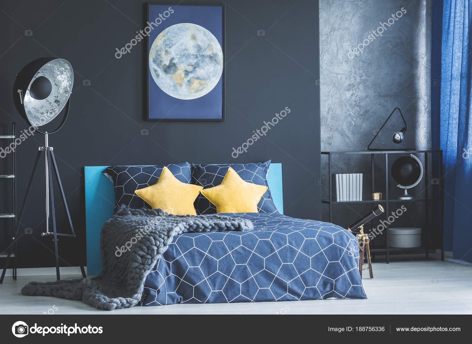 int rieur de la chambre jaune et bleu photographie 188756336. Black Bedroom Furniture Sets. Home Design Ideas