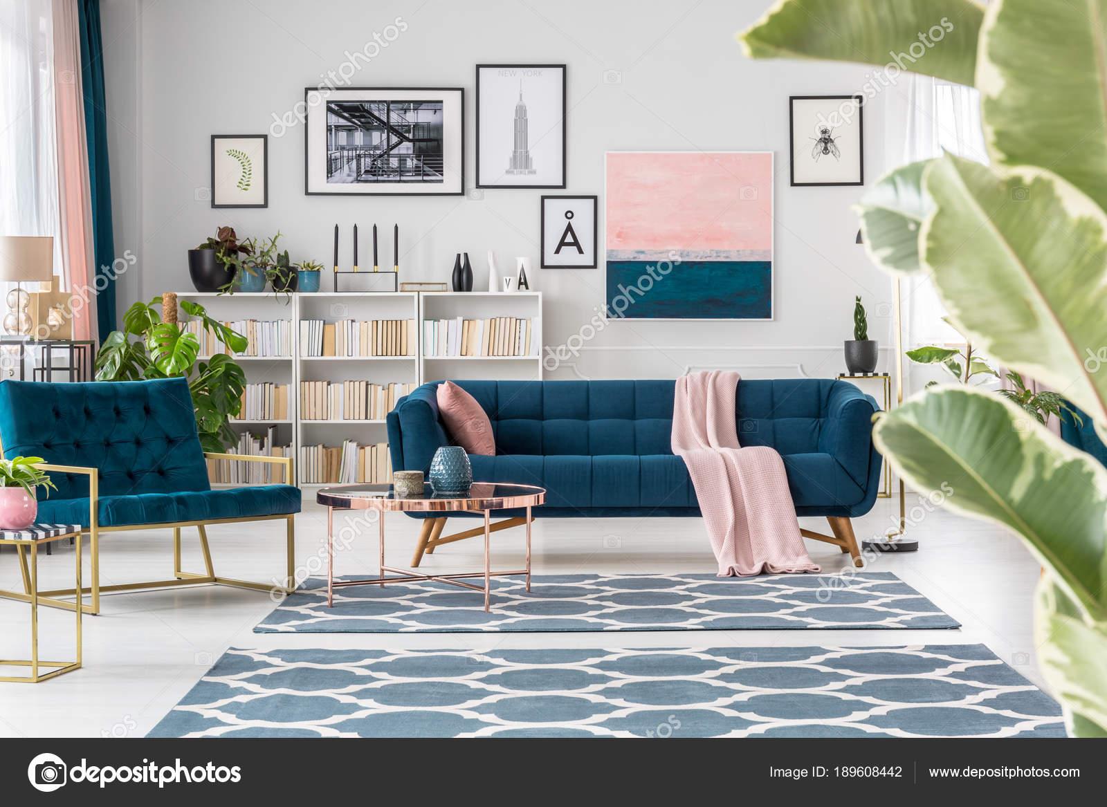 Intérieur raffiné salon bleu — Photographie photographee.eu © #189608442